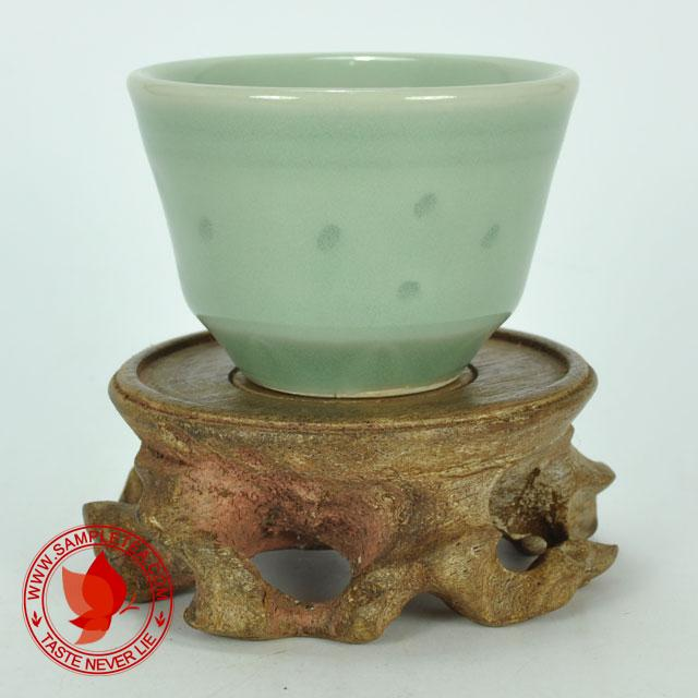chinese tea 1970's Zhejiang Celadon Long Quan Yao Qing You Bei Teacup, 60ml @ www.sampletea.com